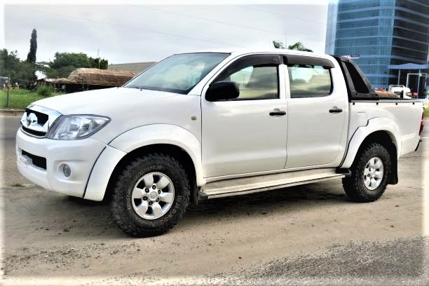 TOYOTA HILUX PICK-UP (2010)