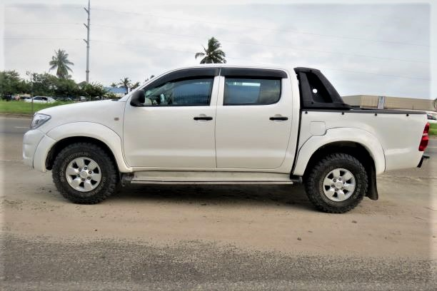 TOYOTA HILUX PICK-UP (2010) full